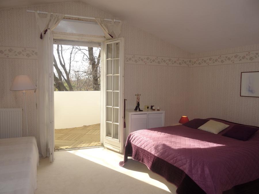Cheap cette chambre dote duune terrase de m possde une vue for Vertbaudet toulon